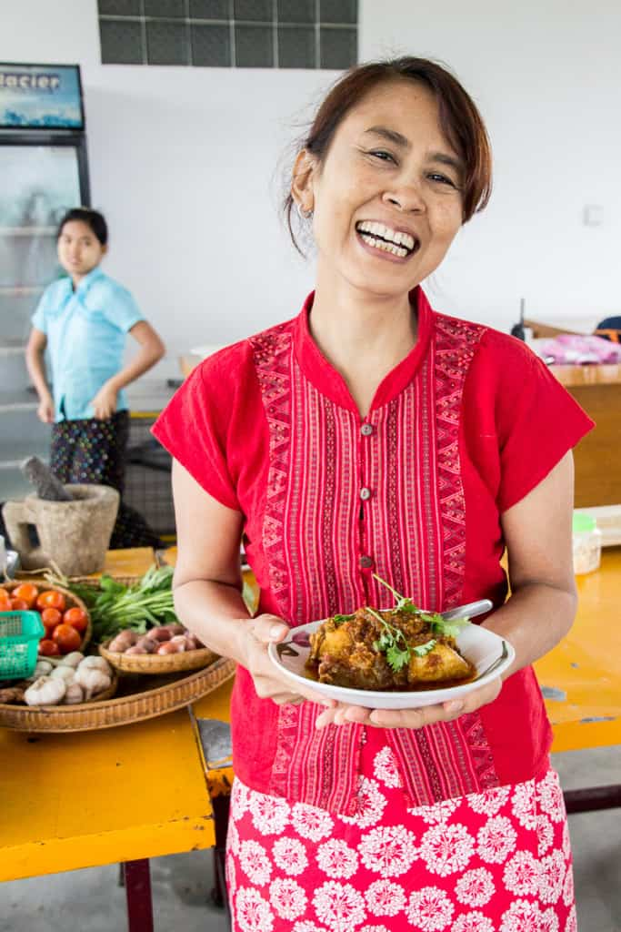 Burmese Food Week - Alice from Alice and Su's kitchen in Mandalay, Myanmar shows us some SUPER QUICK homemade dishes. No MSG. | wandercooks.com