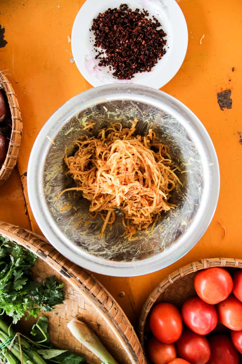 Green Papaya Vermicelli Salad - A healthy, quick dish perfect as a side or a main. Simply BURSTING with flavour. | wandercooks.com