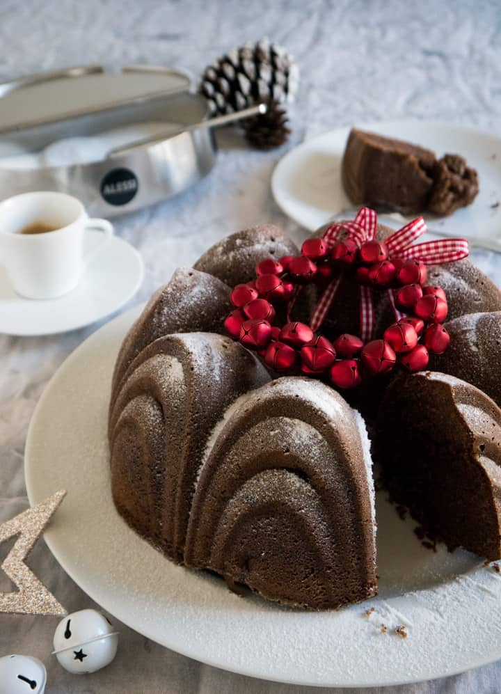 International Christmas Desserts - German Mulled Wine Cake by Bavarian Epicure