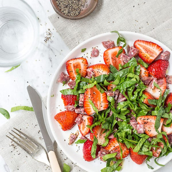 Simple Japanese Strawberry & Salami Salad - A light and fresh summer salad, ready in 5 minutes and set to BLOW your tastebuds out the water. Vegan and Vegetarian. | wandercooks.com
