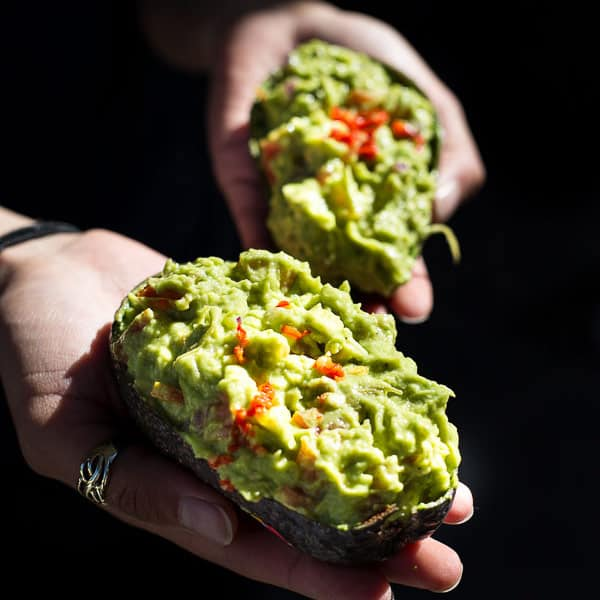 Spicy Asian-Style Guacamole - This Burmese dish is the CREAMIEST dip you could ask for. A healthy lunchtime treat just waiting to spice up your life.