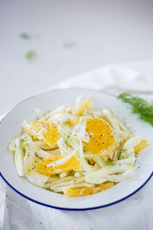 4 Ingredient Italian Fennel and Orange Salad - Crunchy and crisp to bite, this juicy fresh salad is waiting to brighten up your summer dinner.   wandercooks.com