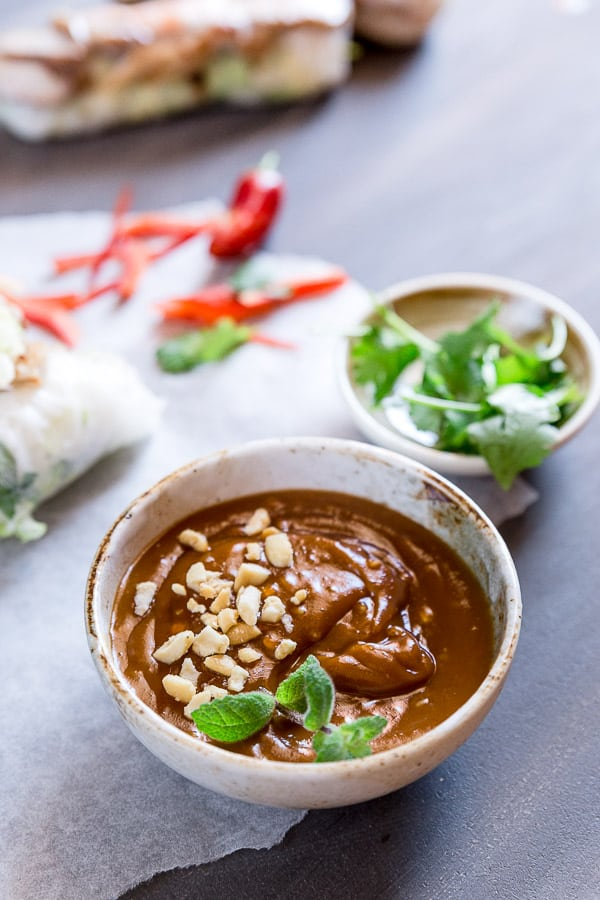 Peanut Hoisin Sauce for Rice Paper Rolls | This dipping sauce is packed with crunchy crushed peanut and the perfect sweet and salty flavour. So what are you waiting for? Grab your cold rolls, summer rolls or homemade rice paper rolls and let's get dipping!