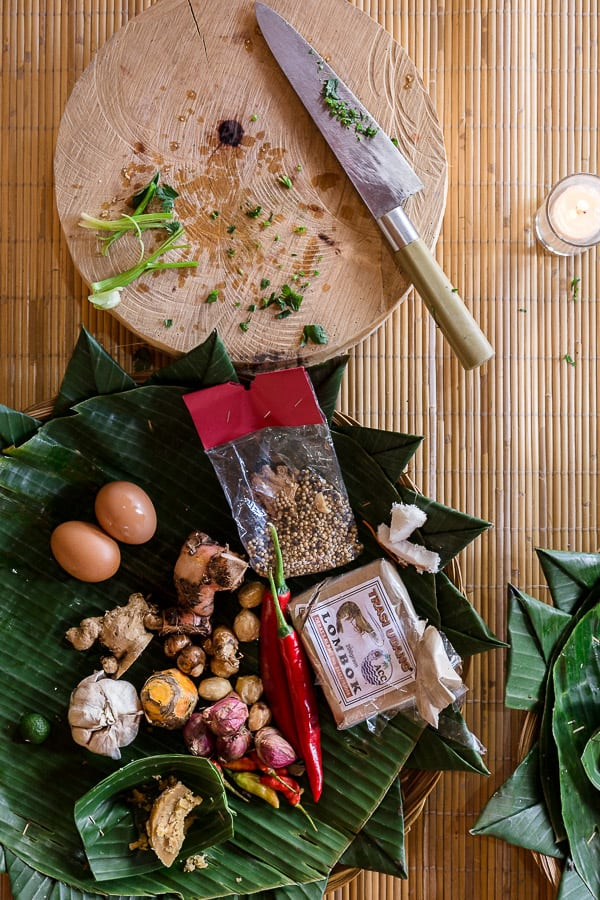 Chef Lole's Balinese Spice Paste (Basa Genap) - An easy and delicious paste from simple Indonesian ingredients. Perfect for curries, soups and satay. | wandercooks.com