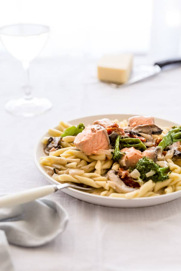 Salmon Pasta Recipe with Cream Sauce - A delightful summer dish perfect for using up leftover salmon, this Salmon Pasta with Cream Sauce is ready to become your go-to weeknight favourite.
