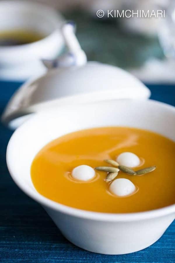 Hobakjuk in a white bowl.