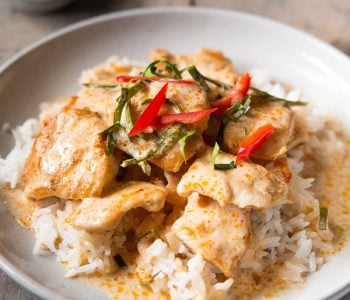 Choo chee chicken curry on a bed of rice.