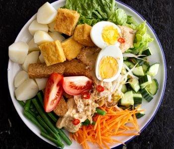 Plate of Indonesian gado gado salad.