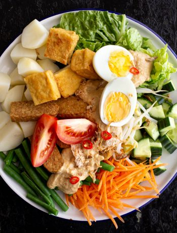 Plate of Indonesian gado gado salad.