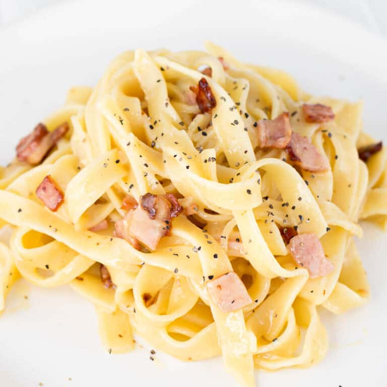 The Creamiest No Cream Carbonara Pasta